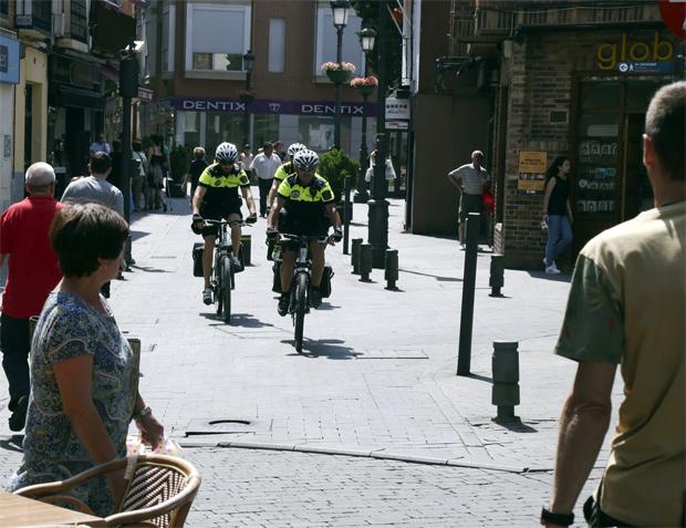 policia-en-bicicleta-legane