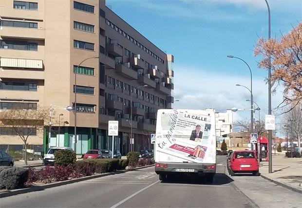 autobus-con-la-calle
