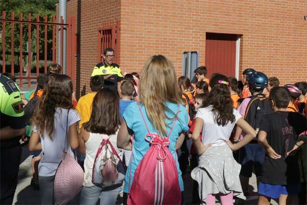 policia-leganes-en-colegios
